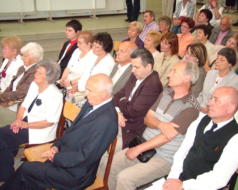 Harmadik alkalommal várta Öregdiák Találkozóra az egykori Batthyánys dfa44e2465