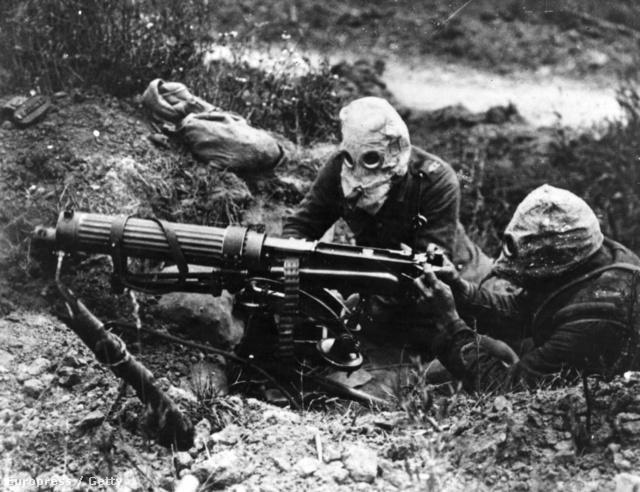 3bf3544f47 ... 19-én a 314. honvéd gyalogezred, a debreceni 7. huszárezred és a  nagyváradi 1. huszárezred többségében magyar nemzetiségû katonái lázadásba  kezdtek, ...
